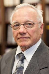 Dr. Ammon Peck