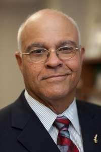 Dr. Carlos Risco