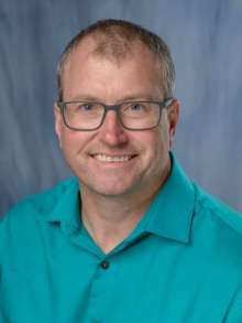 Dr. Chris Martyniuk - portrait